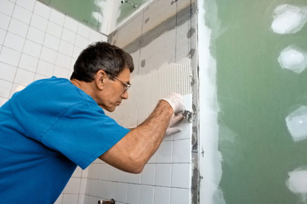 What to Look for When Hiring Professional Bathroom Remodeling Contractors