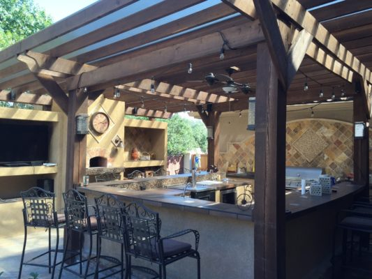 Benefits of an Outdoor Kitchen and How to Create the Perfect Design