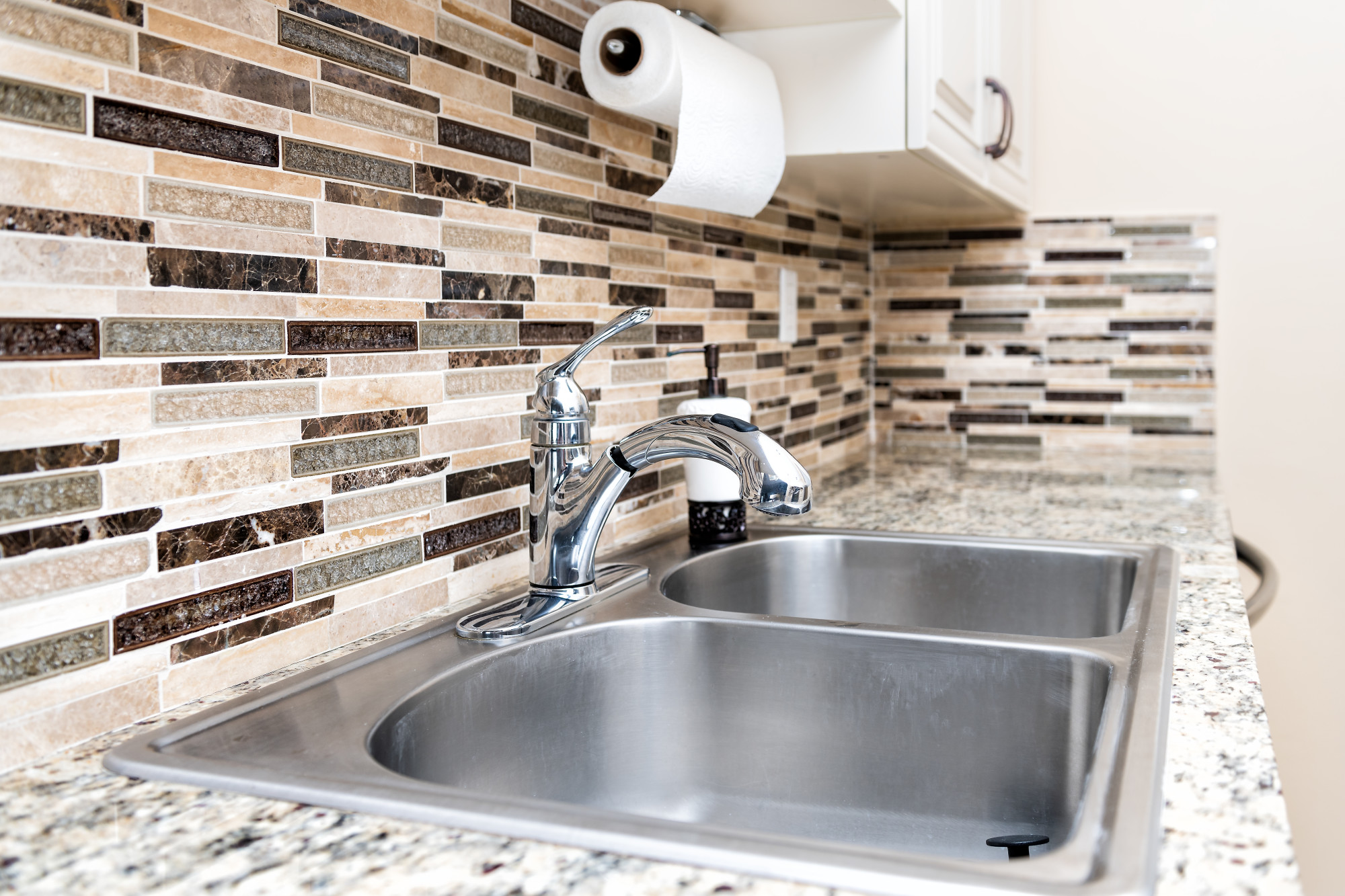 Kitchen Sinks Types: The Best Material for Your Kitchen Sink