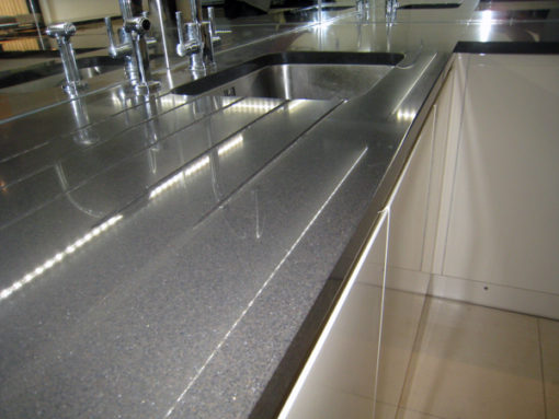 Carbono Silestone Quartz Kitchen