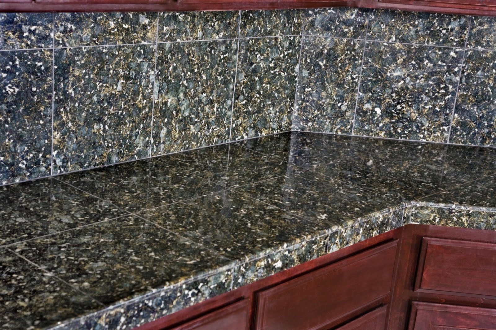 Cutting Costs With Granite Tiles